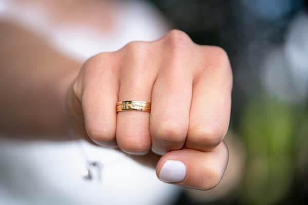 แหวนเกลี้ยง