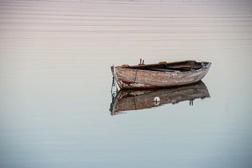 เรือไม้เก่า